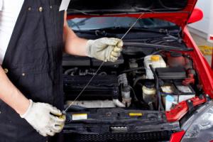 PMS – Park and Fly - Autoservice - Ölstand prüfen